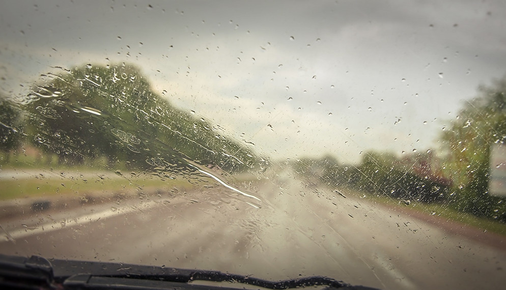 La pluie au volant : attention, danger !
